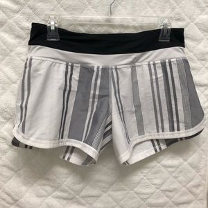 Lululemon Groovy Run Short Stripe Grey Blk White
